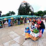 Asisten más de 3 mil personas a Mercado de Trueque