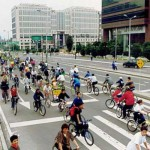 En las calles de Colombia cambian 4 por 2 ruedas