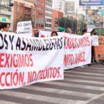 Damnificados exigen ayuda y colapsan CDMX