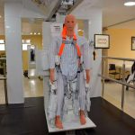 Presentan en CDMX exoesqueleto robótico