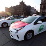Mancera da salida a 100 taxis híbridos en la CDMX