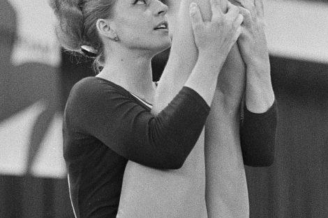 La checoslovaca Vera Caslavska obtuvo 6 medallas en distintas disciplinas de gimnasia