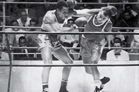 Agustín Zaragoza, medalla de bronce en box, 71 a 75 kg.