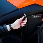 Tesla presenta moto eléctrica con supercargador