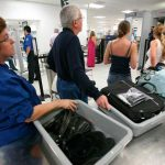 Revisión de computadoras, nueva medida para viajar a EEUU