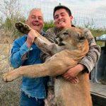 """""""Tenemos un pinche leonsote"""", presumen cazadores de puma en NL"""