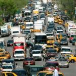 Proponen que vehículos paguen contaminación