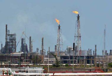 refineria-inviable01