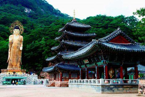 """Los """"sansa"""", monasterios budistas de las montañas de Corea"""
