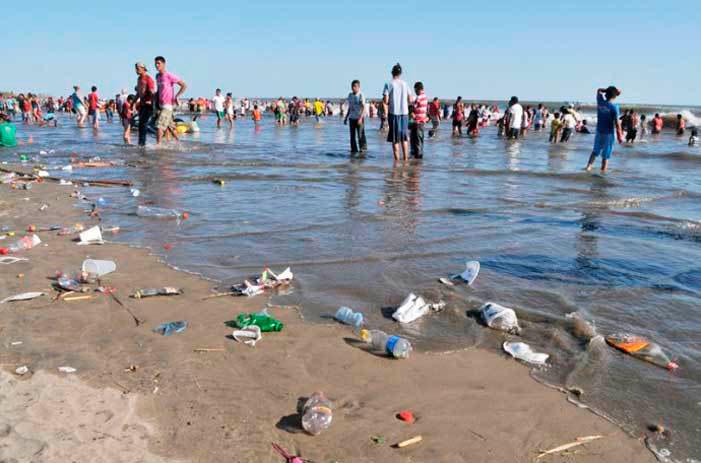Resultado de imagen para playa basura mazatlan
